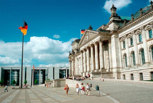 办理德国短期签证需要哪些材料?
