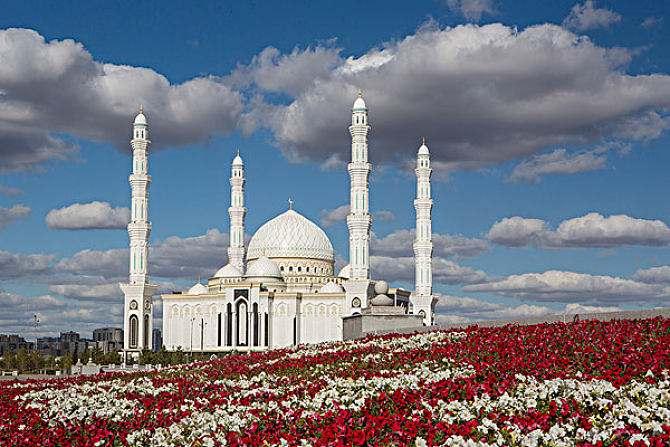 哈萨克斯坦停发电子落地签