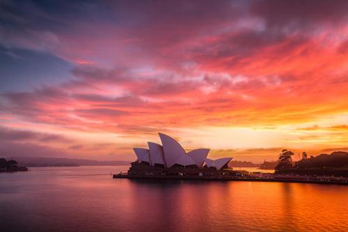 澳大利亚降低拒签率