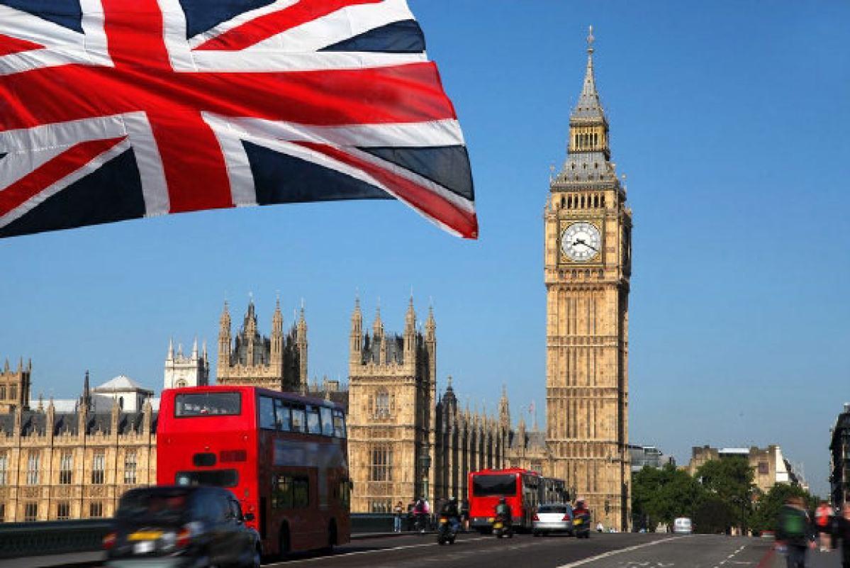 临时大额存入如何降低英国签证拒签率?